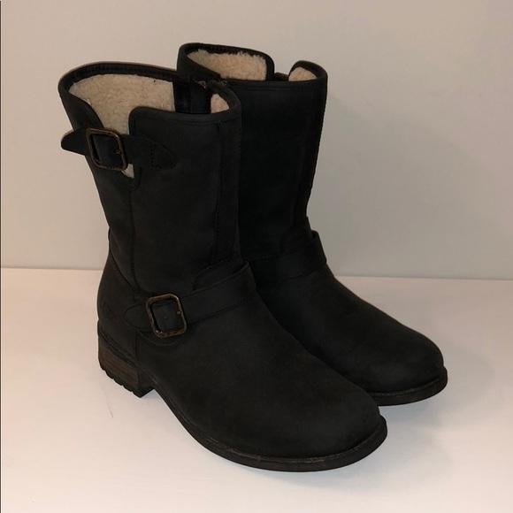 e55f689edfb UGG Chaney Boot Black Size 8